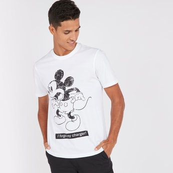 Slim Fit Mickey Mouse Print T-shirt with Round Neck and Short Sleeves