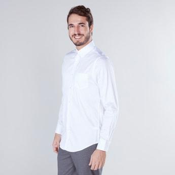 قميص سادة بأكمام طويلة وياقة واسعة
