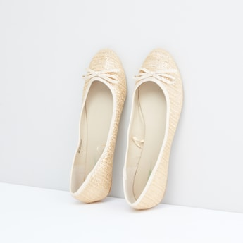 Textured Ballerina Shoes with Bow Detail