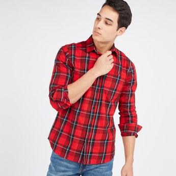 قميص سليم كاروهات بأكمام طويلة ووصلة أزرار