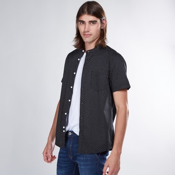 Printed Mandarin Collar Shirt with Short Sleeves and Curved Hem