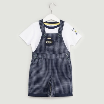Text Print Short Sleeves T-shirt with Chequered Dungarees