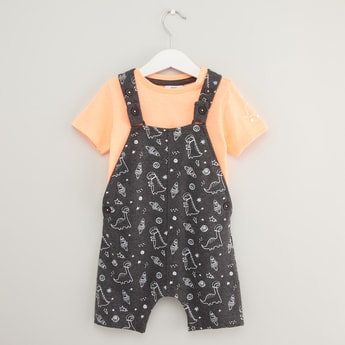 Solid Short Sleeves T-shirt with All Over Dinosaur Print Dungarees Set
