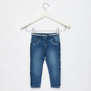 بنطلون جينز طويل بحزام و زينة كشكش جانبية وطبعات نجوم