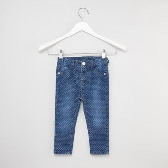 بنطلون جينز طويل بطبعات وتفاصيل جيوب بطبعات منقطة