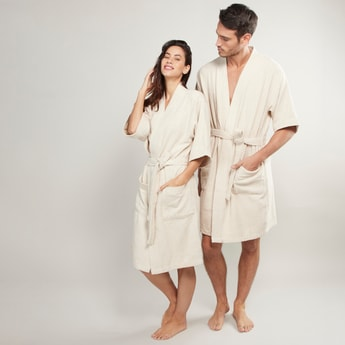 Textured Bathrobe with 3/4 Sleeves and Tie Ups