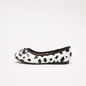 Animal Printed Ballet Flats with Bow Detail