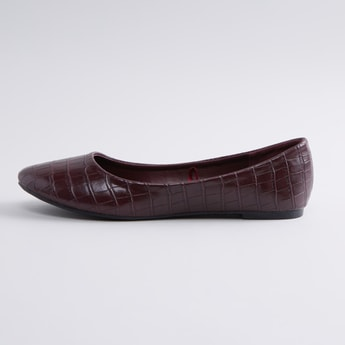 Textured Ballerina Shoes