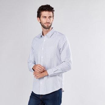 قميص كاروهات بأكمام طويلة وجيب على الصدر