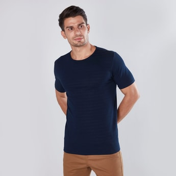 Muscle Fit Textured Striped Round Neck T-shirt with Short Sleeves