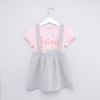 Slogan Print T-shirt and Knit Suspender Skirt Set
