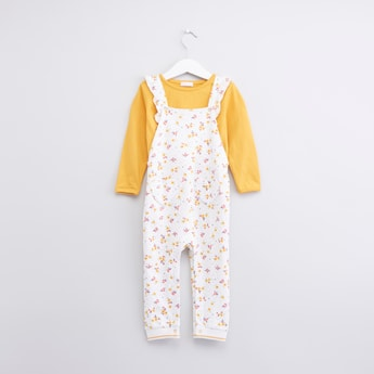 Plain Round Neck T-shirt with Printed Dungarees