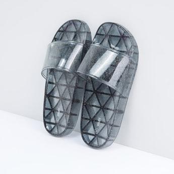 حذاء خفيف بحزام عريض وطبعات