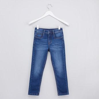 بنطلون جينز طويل بتفاصيل جيوب وحلقات للحزام