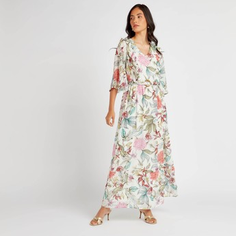 Floral Print A-line Maxi Dress with V-Neck and 3/4 Sleeves