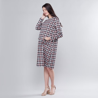 Maternity Printed Midi Shift Dress with Long Sleeves and Pocket Detail
