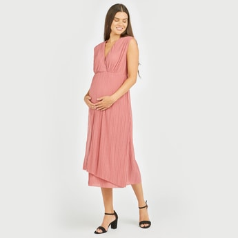 Maternity Textured Midi A-line Sleeveless Dress with V-neck