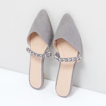 حذاء ميول مزيّن