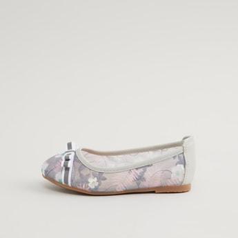 حذاء باليرينا بطبعات مع تفاصيل فيونكة