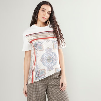 Printed Top with Round Neck andd Asymmetric Hem
