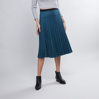 Textured Midi Skirt with Pleat Detail