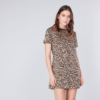 Animal Printed Round Neck Mini Shift Dress with Short Sleeves