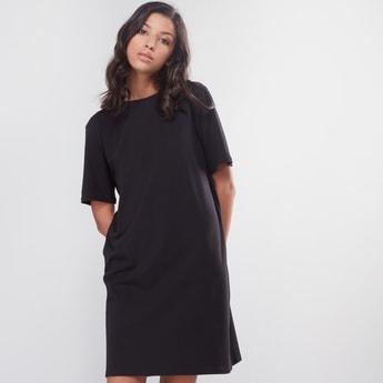 Round Neck Midi Dress with Short Sleeves