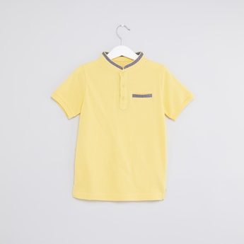 Plain Henley Neck T-shirt with Short Sleeves