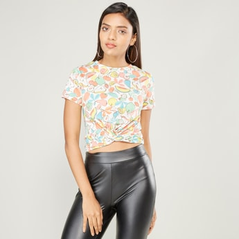Graphic Print Crop Top with Short Sleeves and Twisted Hem