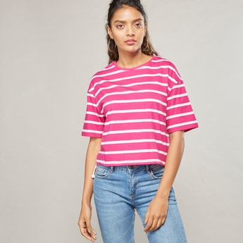 Printed Crop T-shirt with Round Neck and Short Sleeves