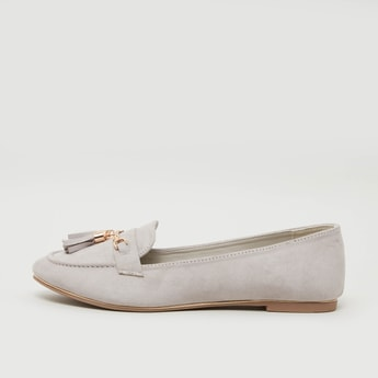 Plain Loafers with Tassel Detail