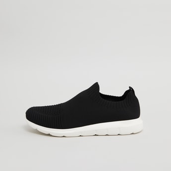 Low Top Walking Shoes with Slip On Closure