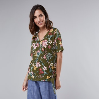 Printed Wrap Top with V-neck and Short Sleeves