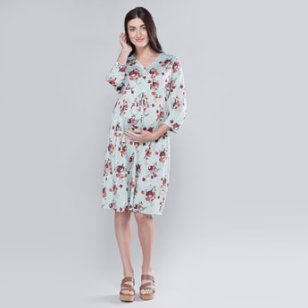 Printed Midi A-line Maternity Dress with V-neck and 3/4 Sleeves
