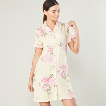 Printed Sleepshirt with Spread Collar and Short Sleeves