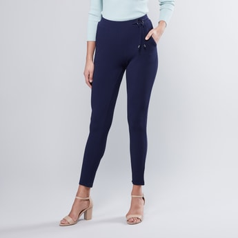 Plain Leggings with Elasticised Waistband and Pocket Detail