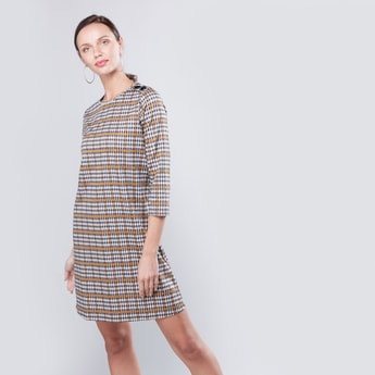 Chequered Midi Shift Dress with Round Neck and 3/4 Sleeves