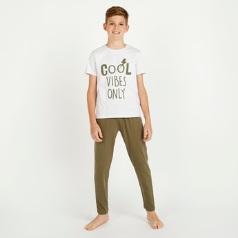 Typographic Print Round Neck T-shirt and Full Length Solid Pyjama Set