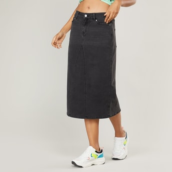 Denim Mid-Rise Midi Skirt with Pockets