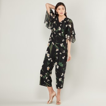 Floral Printed Jumpsuit with V-neck and Short Sleeves