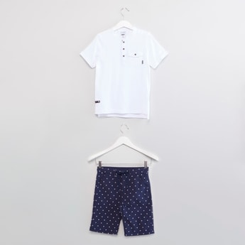 Plain Henley Neck T-shirt with Printed Shorts