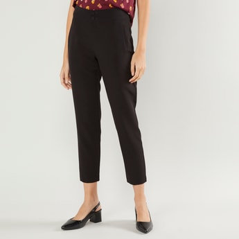 Solid Cropped Pants with Pockets and Button Closure