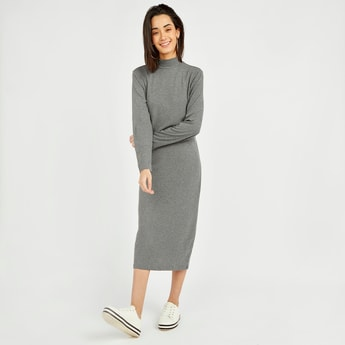 Solid Shift Midi Dress with Long Sleeves