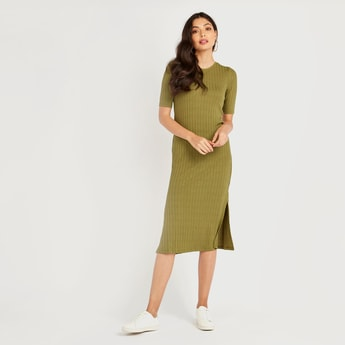 Solid Ribbed Round Neck Midi Dress with Short Sleeves