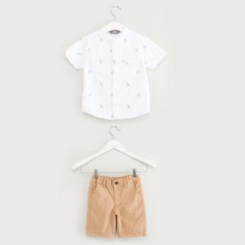 قميص بطبعات زرافة مع طقم شورت بلون مغاير