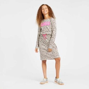 فستان محبوك بأكمام طويلة ورباط  مع طبعات نمر بالكامل