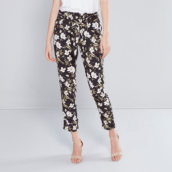 Floral Printed Paperbag Pant with Pocket Detail