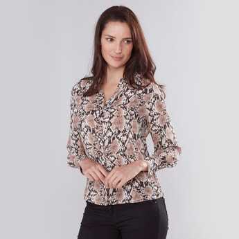 Printed Shirt with V-neck and Long Sleeves