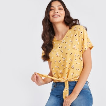 Floral Print Top with V-neck and Short Sleeves
