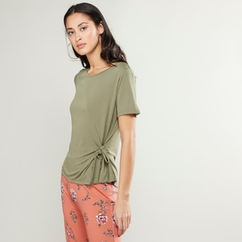 Plain T-shirt with Round Neck and Knot Detail